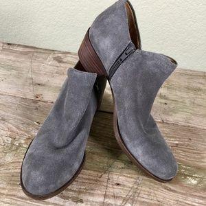 Lucky Brand Brett grey suede ankle booties zip 9M